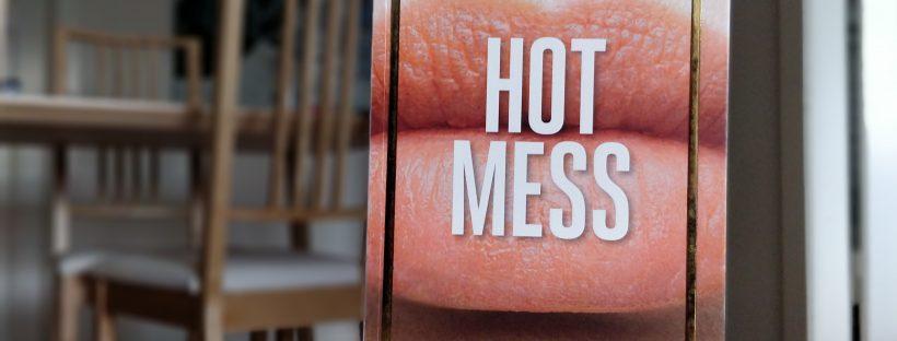 Hot Mess af Lucy Vine