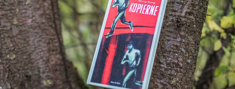 "The Danish book ""Kopierne"" in a tree."