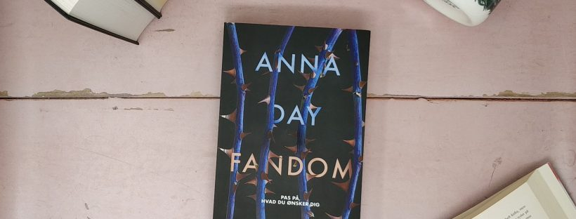 Fandom af Anna Day på en pink baggrund